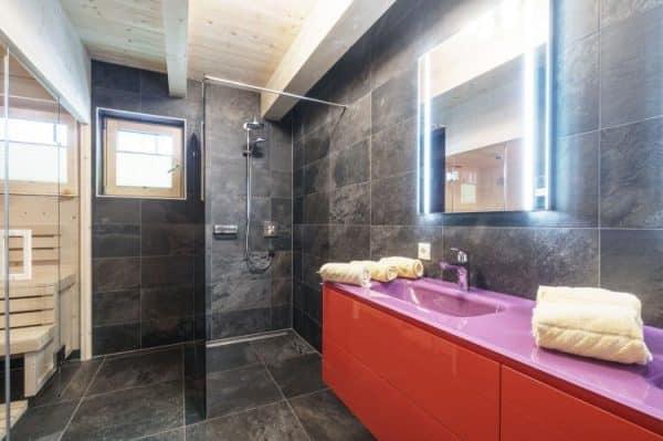 Chalet Kaprun Edition West D - Kaprun - Salzburgerland - 18 personen - badkamer met sauna