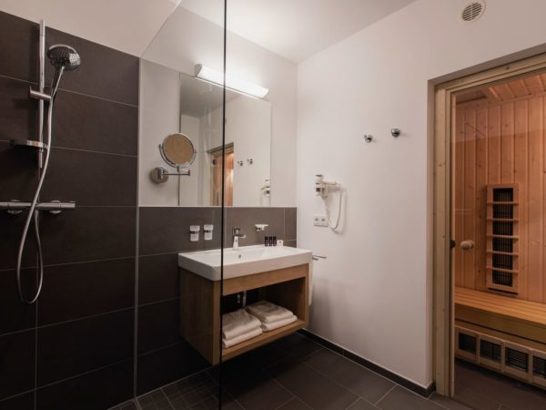 Penthouse Maria Alm 8LP - Maria Alm - Hochkönig - 8 personen - badkamer met sauna