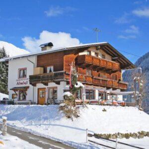 Jausenstation Almluft - Stumm im Zillertal - Oostenrijk - Tirol - 23 personen - winter